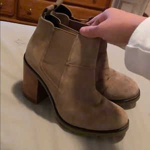 Crevo Chelsea Leather Ankle Boot